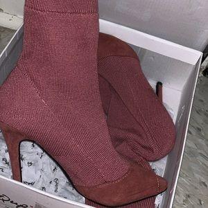 Muva sock heels